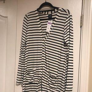 NWT black and white medium cardi